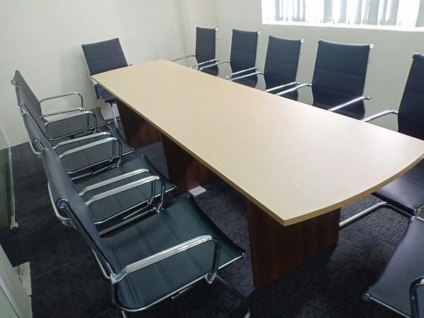 Mua bán bàn họp cũ thanh lý giá rẻ đẹp mới 95% tại Tp.hcm