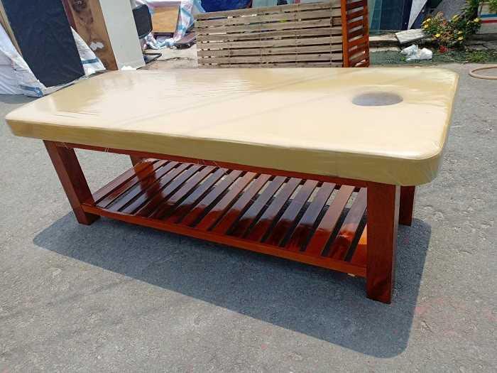 Giường massage spa chân gỗ giá rẻ tại Tp.HCM