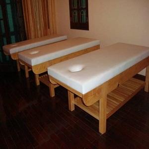 giường massage củ giá rẽ thanh ly TPHCM