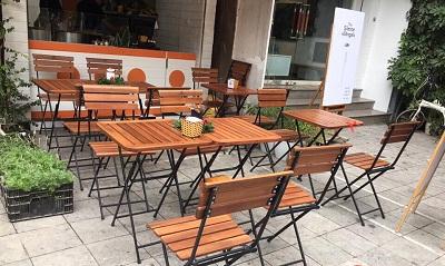 Bàn ghế cafe gỗ xếp ngoài trời thanh lý