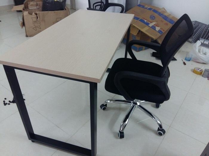 Bàn văn phòng thanh lý giá rẻ tại thanhlytot.com